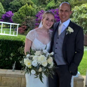 Emma-and-Richard-Maleny-Manor-with-gwen-inglis-marriage-celebrant-brisbane