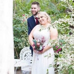Garden wedding ceremony with Gwen Inglis Wedding Celebrant Brisbane